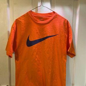 Nike Loose Fit Orange T-Shirt - Men's Tee - Medium
